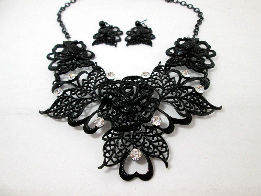 large black rose jewelry set