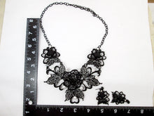 Load image into Gallery viewer, cosplay rose jewelry set with measurement