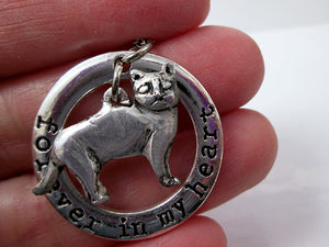 skinny cat pendant close up view