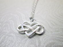 Load image into Gallery viewer, figure 8 heart necklace