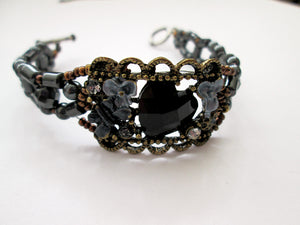vintage style bronce and black magnetic bracelet for woman