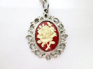vintage style rose flower cameo pendant necklace
