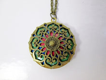 Load image into Gallery viewer, mandala locket necklace