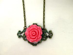 vintage style pink rose necklace