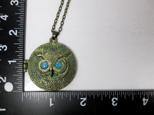blue eye owl locket with measurement