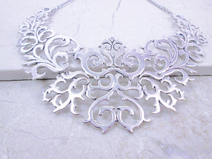antique silver metal lace necklace