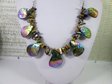 Load image into Gallery viewer, rainbow bronze seashell and pearl necklace