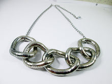 Load image into Gallery viewer, chunky silver interlocking necklace