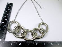 Load image into Gallery viewer, five circles interlocking necklace with measurement