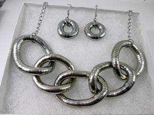 chunky silver interlocking 5-rings necklace set