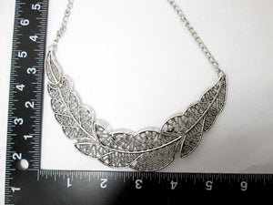large filigree leaf sideways necklace with measurement
