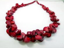 Load image into Gallery viewer, coral necklace