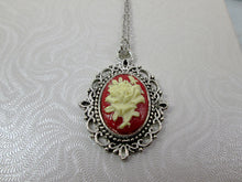 Load image into Gallery viewer, flower cameo necklace