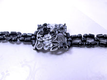 Load image into Gallery viewer, Fancy Black Flower Magnetic Bracelet for Woman