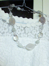 Load image into Gallery viewer, white agate bead necklace