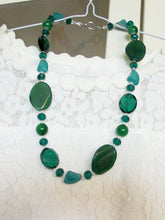 Load image into Gallery viewer, green agate necklace