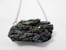 Load image into Gallery viewer, silicon carbide stone pendant