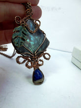 Load image into Gallery viewer, hand wrapped labradorite pendant
