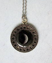 Load image into Gallery viewer, moon pendant