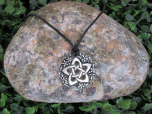 Load image into Gallery viewer, flower pentagram pendant necklace
