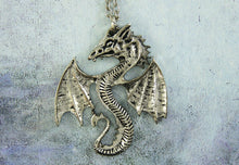Load image into Gallery viewer, Fan Dragon necklace