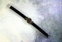 Load image into Gallery viewer, magnetic clasp leather bracelet