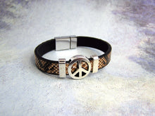 Load image into Gallery viewer, peace leather bracelet
