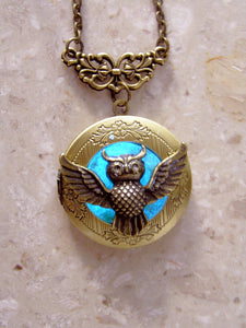 glow in the dark owl locket