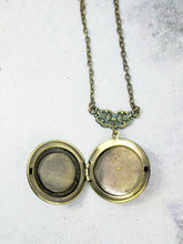 Load image into Gallery viewer, inside view of keepsake locket necklace