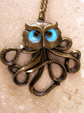 Load image into Gallery viewer, Glow in the Dark Octopus necklace