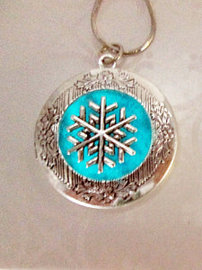 glow in the dark snowflake locket necklace
