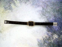 Load image into Gallery viewer, Unisex Irish Shamrock Leather Bracelet