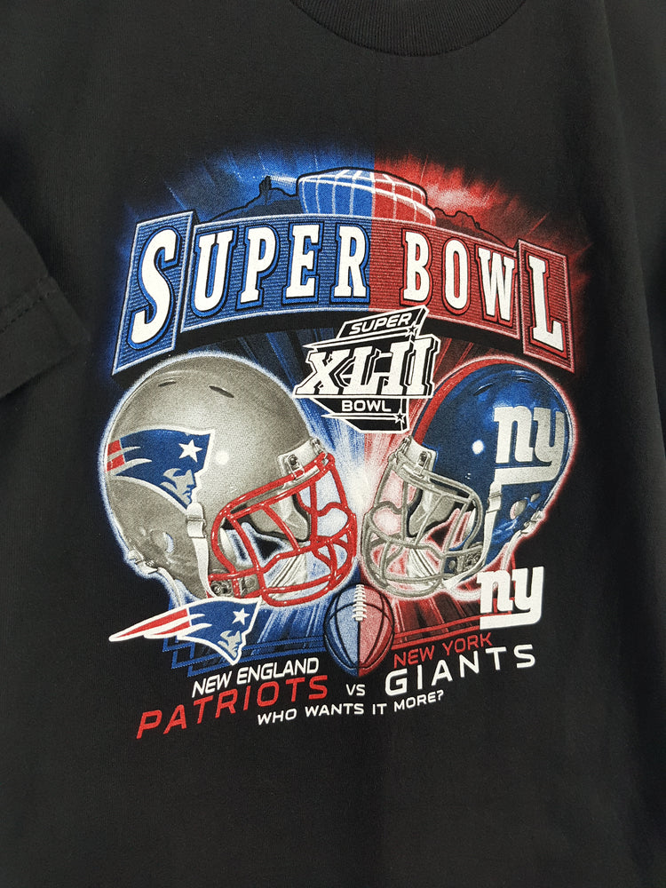 New England Patriots Vs New York Giants Superbowl XLII T-Shirt (S)