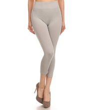 Load image into Gallery viewer, Solid Capri Leggings Size 2 -10