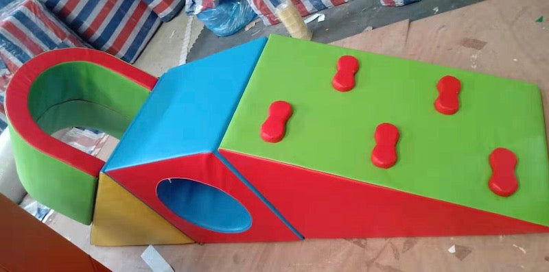 Soft Play Climber with Tunnel
