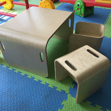 Toddler Desk and Chairs