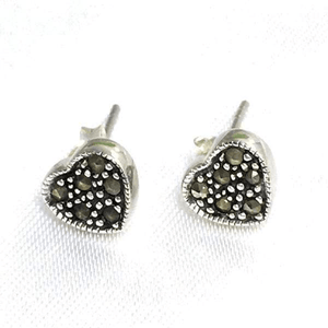 Crystal Beads in a Heart Stud Earrings