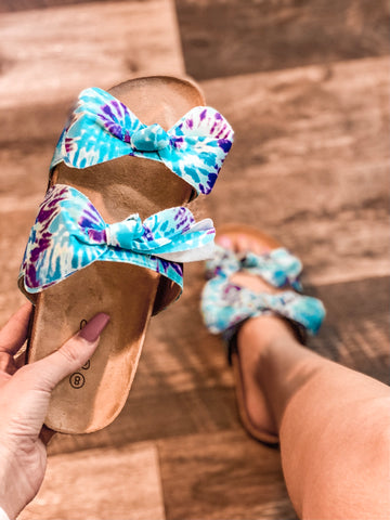 Boardwalk Blue Tie Dye Bow Sandals