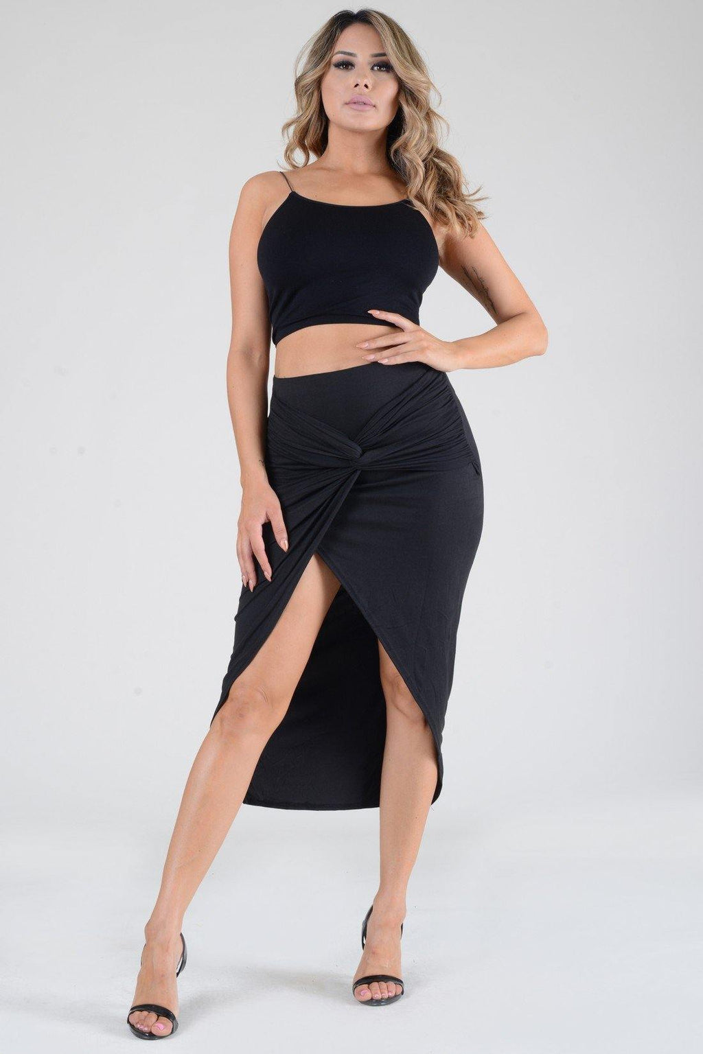 Black slit knot skirt