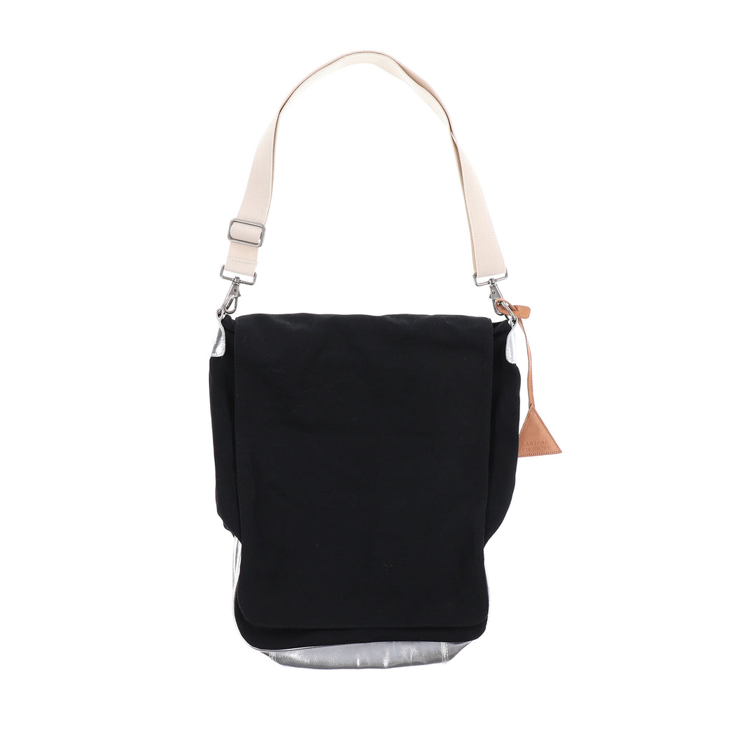 EASTPAK COTTON FLAP SHOULDER BAG