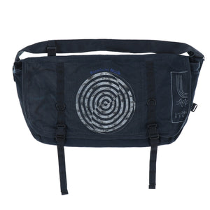 T GRAPHIC SHOULDER BAG