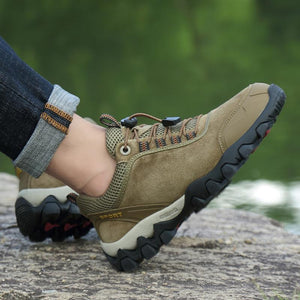 Exercise outdoors Casual male hiking shoes