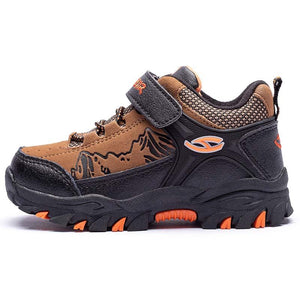 Children's hiking boots for autumn and winter outdoors