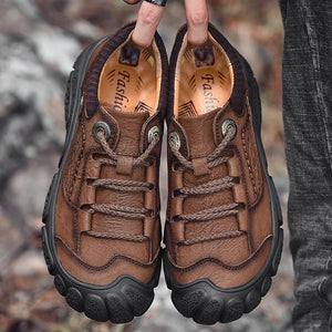 Outdoor hiking shoes for men and women sports shoes