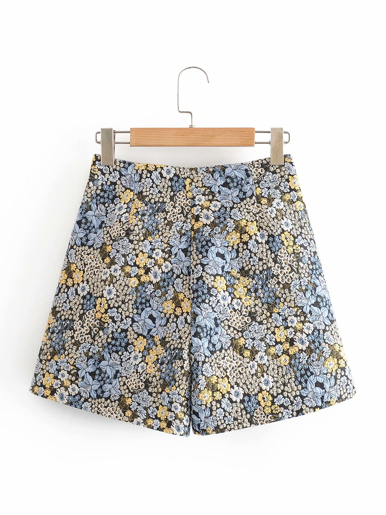 El Summer Floral Embroidered Shorts