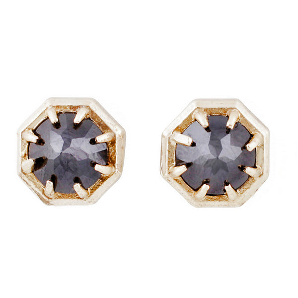 BLACK SPINEL GOLD STUDS