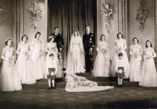QE 06 - The wedding group, 1947