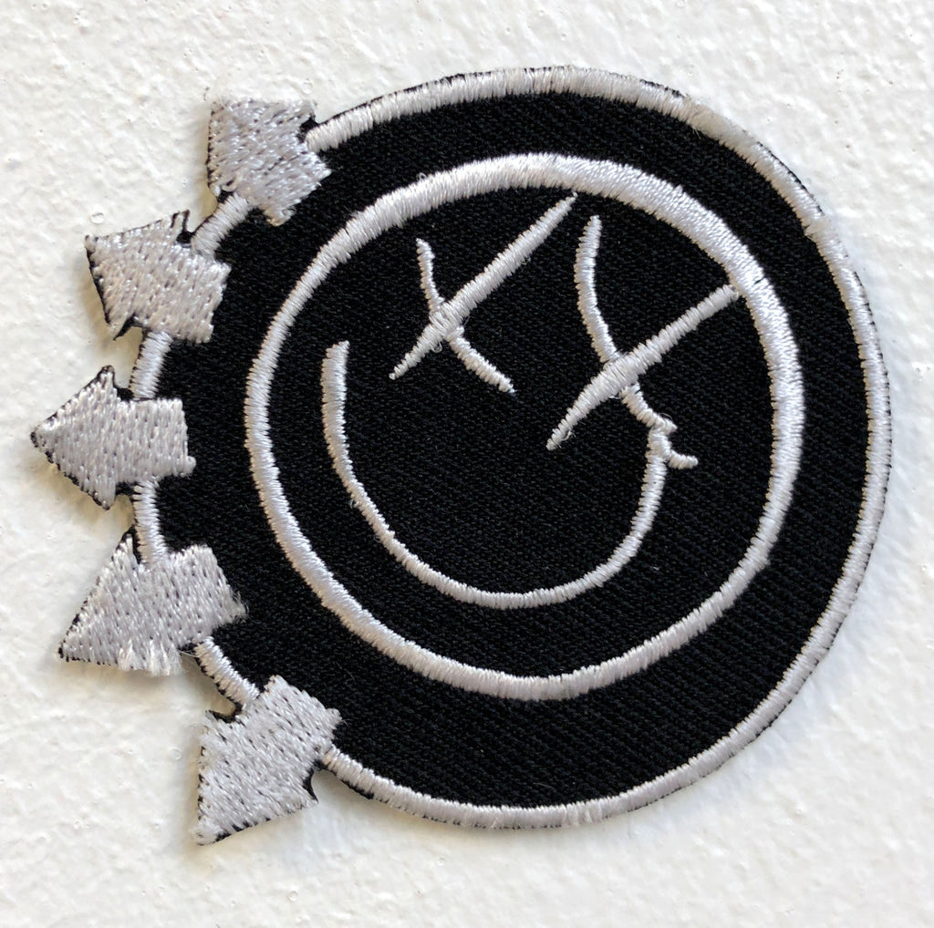 Blink 182 Rock Band Logo red Iron Sew on Embroidered Patch - Patches-Badges