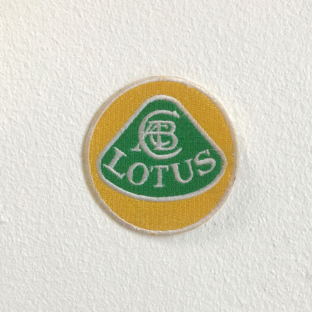 Lotus Car Automobile sportscar motorsports badge Iron Sew On Embroidered Patch