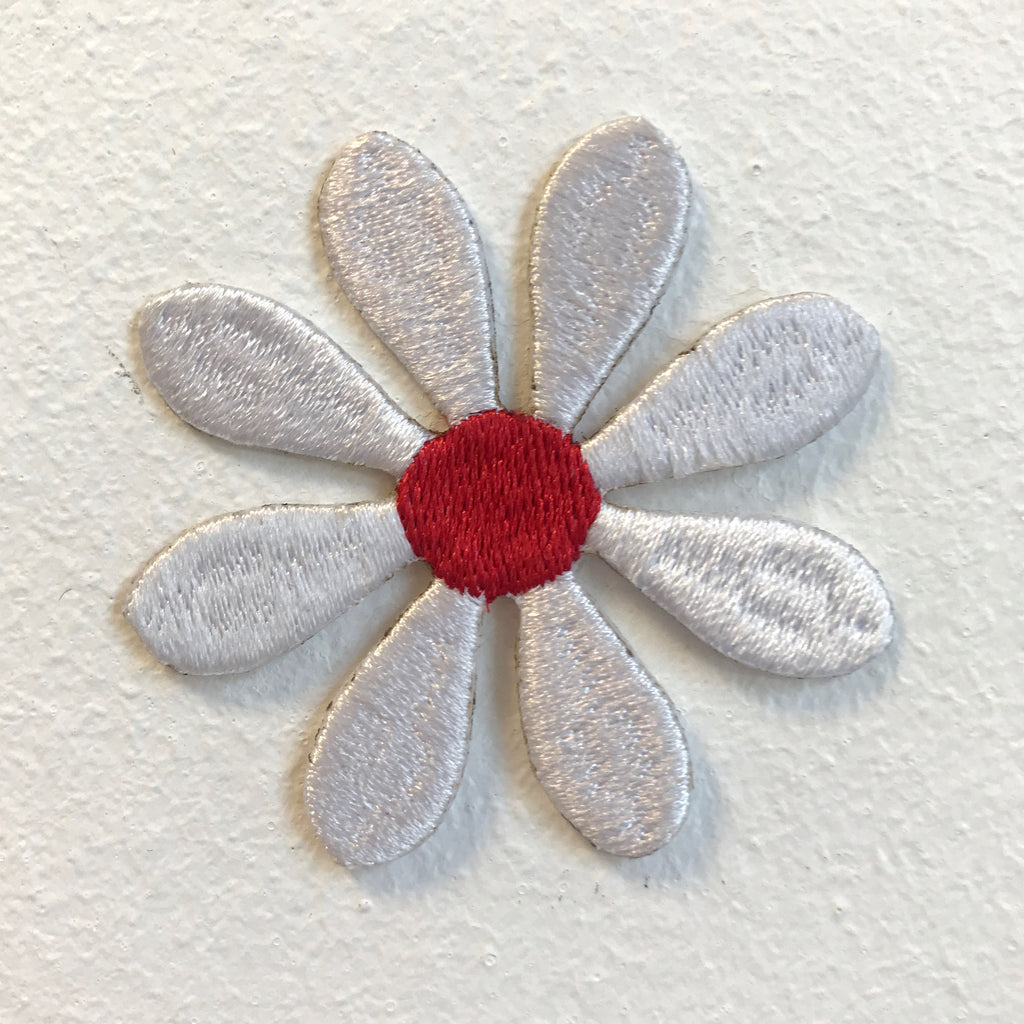Cute White Flower Daisy Flower Iron on Sew on Embroidered Patch - Patches-Badges